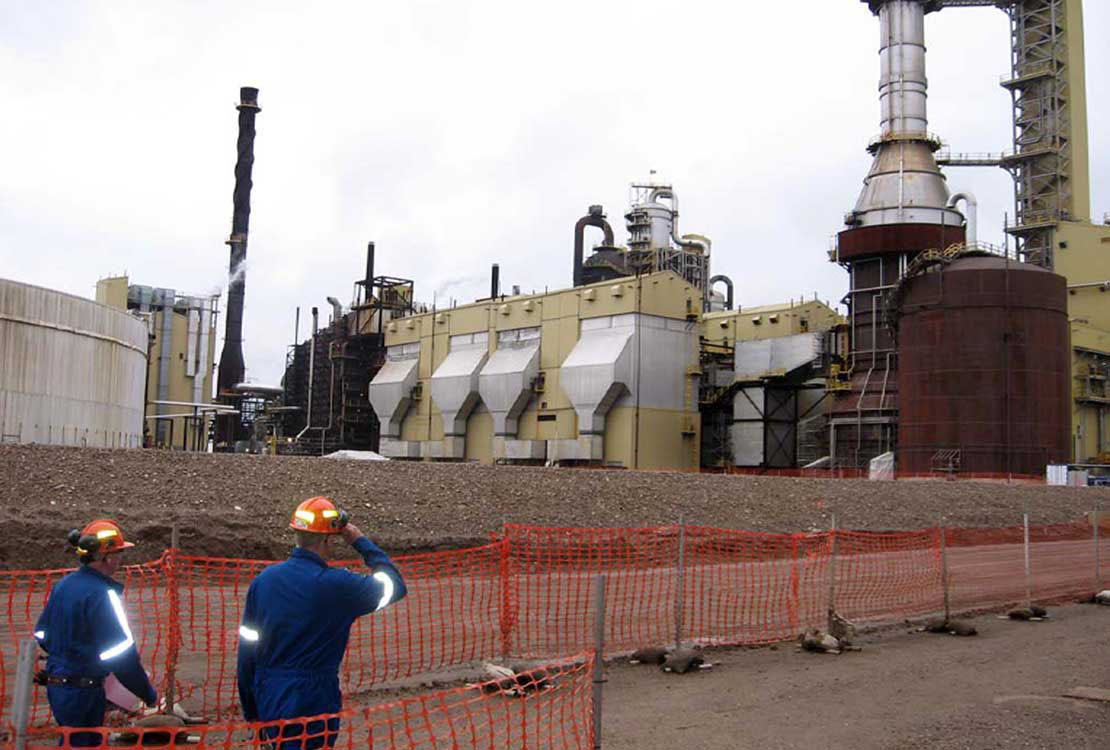 Portrait of Oil Sands Facility